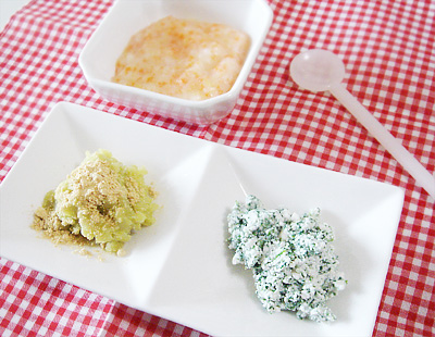 【離乳食中期】ニンジンと白菜のつぶしうどん/サツマイモマッシュのきな粉がけ/ほうれん草のチーズ和え