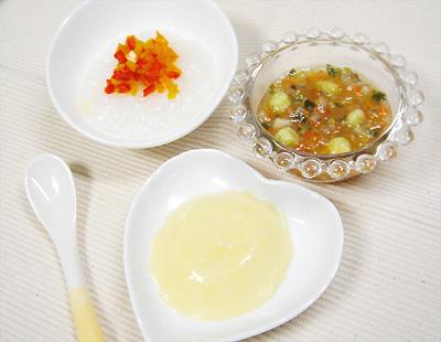 【離乳食中期】おかゆのパプリカトッピング/白身魚のみぞれスープ/コーンクリームプリン