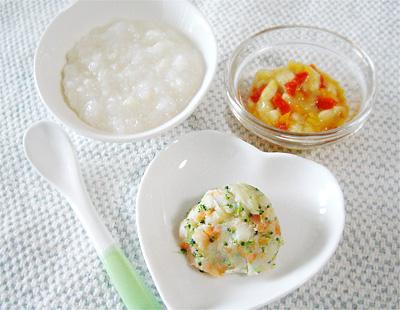 【離乳食中期】鶏ささ身とカリフラワーのおかゆ/ポテトサラダ/パプリカのバナナ和え