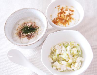 【離乳食中期】和風パンがゆ/アスパラとキャベツの白和え/きな粉ヨーグルト