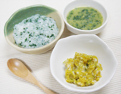 【離乳食中期】大根と小松菜のおかゆ/アスパラとカリフラワーのレバー和え/白身魚とほうれん草のスープ