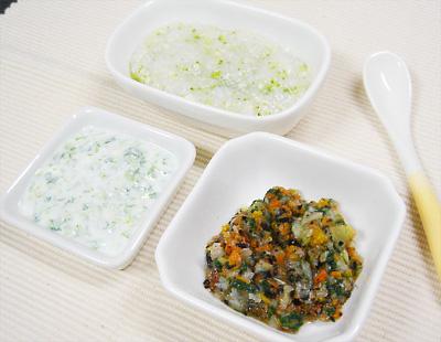 【離乳食中期】鶏ささ身とブロッコリーのスープがゆ/ひじきと野菜の煮物/レタスのヨーグルト和え