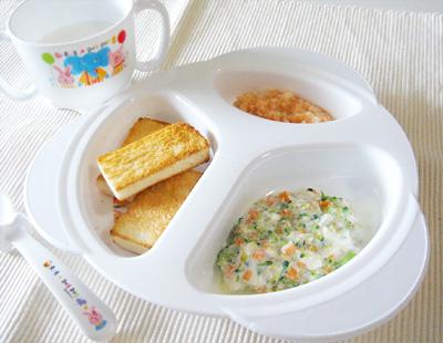 【離乳食後期】ミルクトースト/鮭と大根のクリーム煮/豆腐と野菜のヨーグルトサラダ