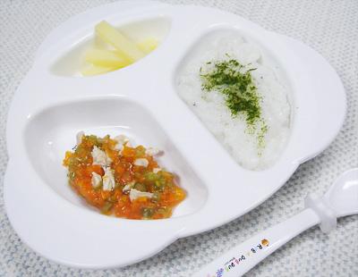 【離乳食後期】しらすと青のりのおかゆ/鶏肉と野菜の煮物/ポテトスティック