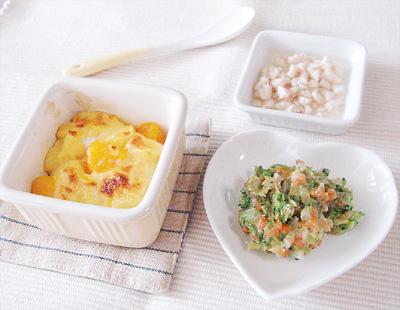 【離乳食後期】フルーツパンプディング/コールスローサラダ/鶏肉のリンゴジュース煮