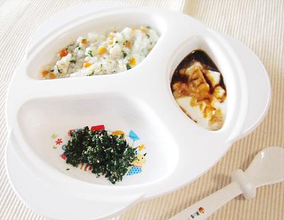 【離乳食後期】鶏ひき肉の野菜がゆ/ほうれん草のゴマ和え/プルーンヨーグルト