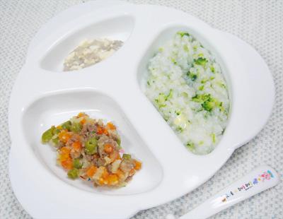 【離乳食後期】ブロッコリーとレタスのチーズがゆ/肉ジャガ/豆腐のレンコン和え