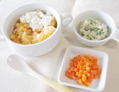 【離乳食後期】チキンライスのチーズ添え/鶏肉とブロッコリーのクリーム煮/ニンジンのグラッセ