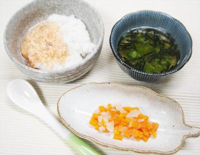 【離乳食後期】鮭のあんかけ丼/ニンジンと大根の甘煮/オクラ汁