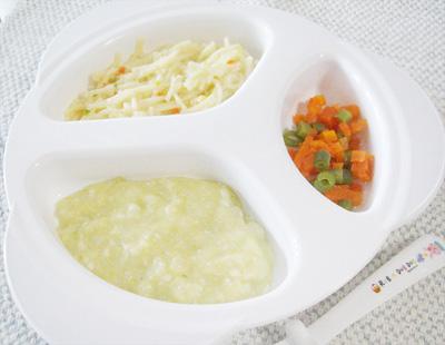 【離乳食後期】鶏ささ身と野菜のクリームパスタ/ニンジンとインゲンのグラッセ/シーフードシチュー