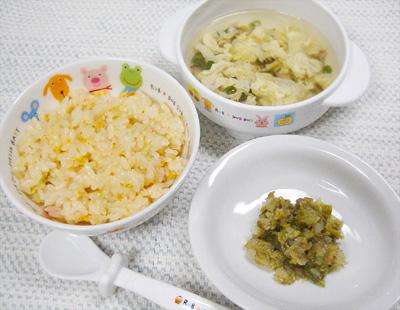 【離乳食後期】豚肉チャーハン/キャベツの香味和え/卵とシイタケのスープ