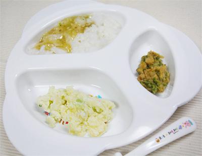 【離乳食後期】平目のあんかけ丼/枝豆サラダ/キャベツとレタスのきな粉和え