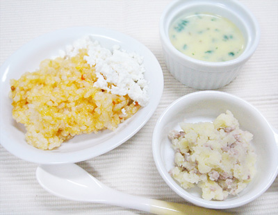 【離乳食後期】チキンライスのチーズ添え/ポークマッシュポテト/水菜とキノコのコーンスープ