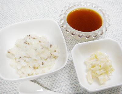 【離乳食後期】キノコのクリームリゾット/マカロニのヨーグルト和え/ミルクプリンのプルーンソースがけ
