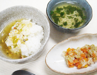 【離乳食後期】五目あんかけ丼/キャベツとニンジンのゴマ煮/チンゲン菜としらすのスープ