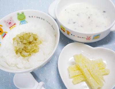 【離乳食後期】キャベツのせご飯/チキンとキノコのホワイトシチュー/ポテトの粉チーズまぶし