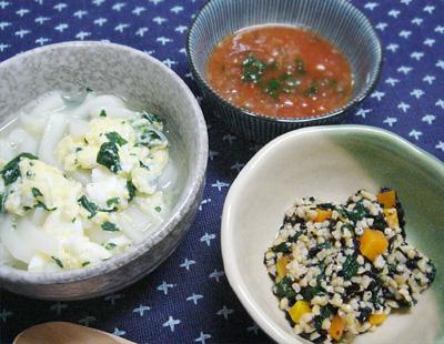 【離乳食後期】ほうれん草と卵の味噌うどん/ひじきと納豆の和え物/チンゲン菜のトマトスープ