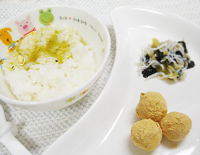 【離乳食後期】ヒラメのあんかけ丼/しらすとキャベツののり和え/サツマイモチーズだんご