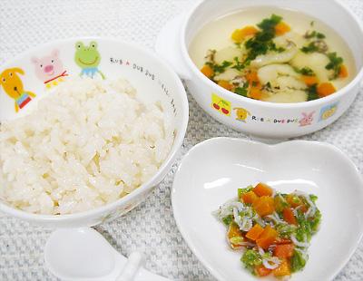 【離乳食後期】マイタケご飯/しらすとニンジンのオクラ和え/野菜とすいとんのスープ
