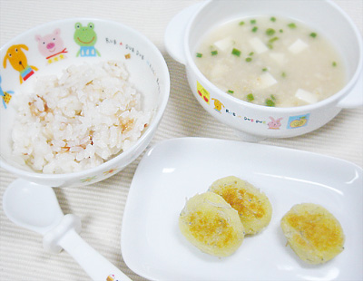 【離乳食後期】おかか和えご飯/しらす入りお焼き/オートミールの味噌汁風