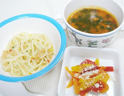【離乳食完了期】鮭のクリームパスタ/パプリカの粉チーズ焼き/小松菜とニンジンのクリームスープ