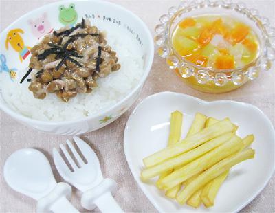 【離乳食完了期】マグロ納豆丼/野菜の酢の物風/おさつスティック