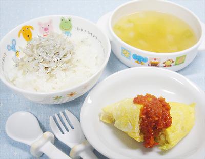 【離乳食完了期】しらすご飯/野菜のオムレツ/大根とキュウリの味噌汁