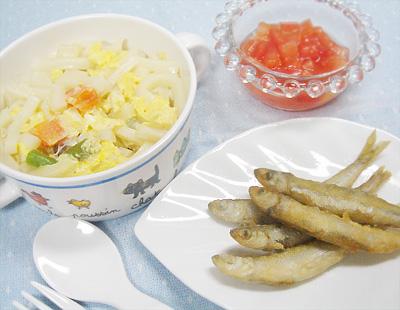 【離乳食完了期】野菜の卵とじうどん/チカの唐揚げ/デザートトマト