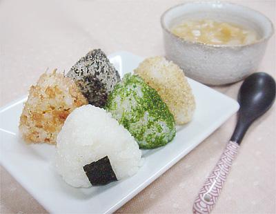 【離乳食完了期】ミニミニ五色おにぎり/大根とお麩の味噌汁