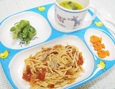 【離乳食完了期】サンマのトマトパスタ/アスパラの粉チーズ和え/ゆでニンジン/ほうれん草入りカボチャポタージュスープ