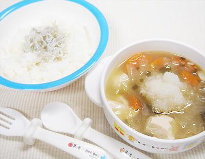 【離乳食完了期】しらすのせご飯/鶏団子と残り野菜の具沢山煮