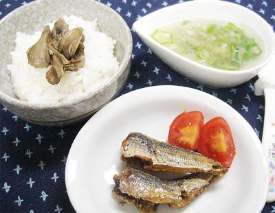【離乳食完了期】マイタケのせご飯/小あじの唐揚げ/オクラのおろし汁/プチトマト